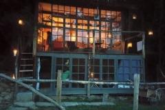 La cabane sauvage de nuit